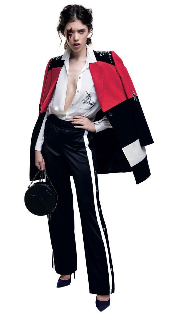 Tapado a cuadros con lazo ($ 9.500, Vitamina), chaqueta símil cuero ($ 2.690, Basement), pantalón deportivo con broches laterales ($ 1.799, adidas) y stilettos con glitter ($ 2.600, Aldo para Grimoldi).