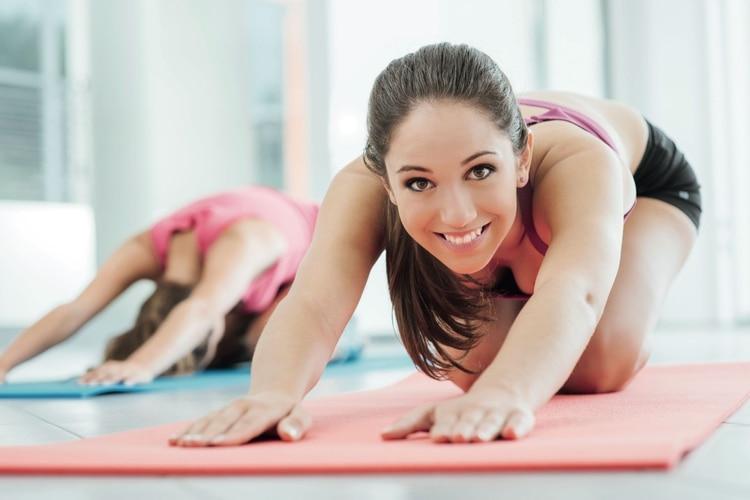 ACTIVIDADES INDOOR. Stretching, GAP, entrenamientofuncional, indoor cycling, yoga o pilates son algunas opcionespara ejercitarse a puertas cerradas.