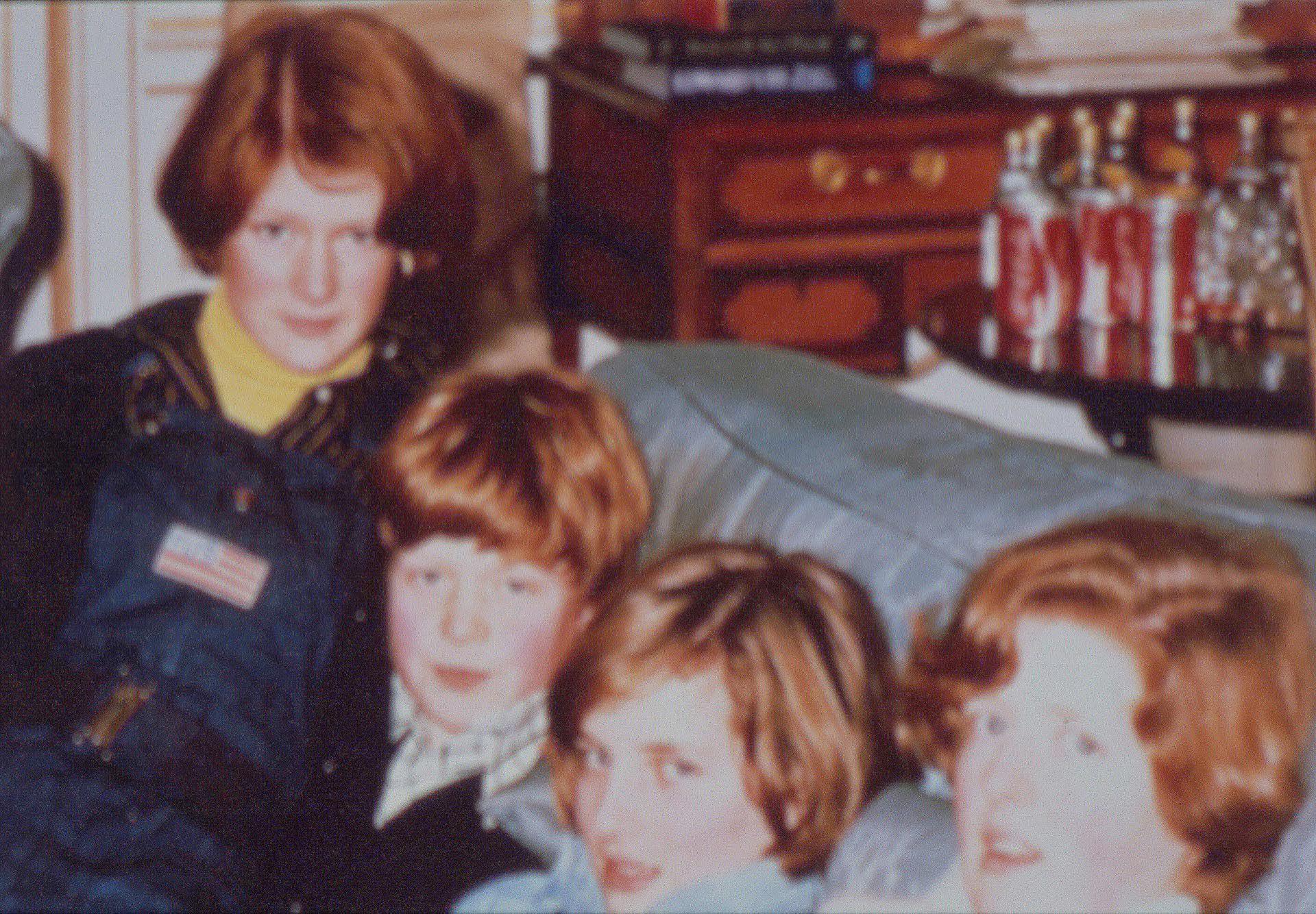 Una foto de la infancia de Diana en la casa de los Spencer, junto a sus hermanos.