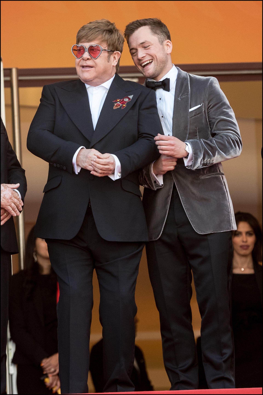 Elton John y Taron Egerton cantaron juntos Rocketman y emocionaron al público.