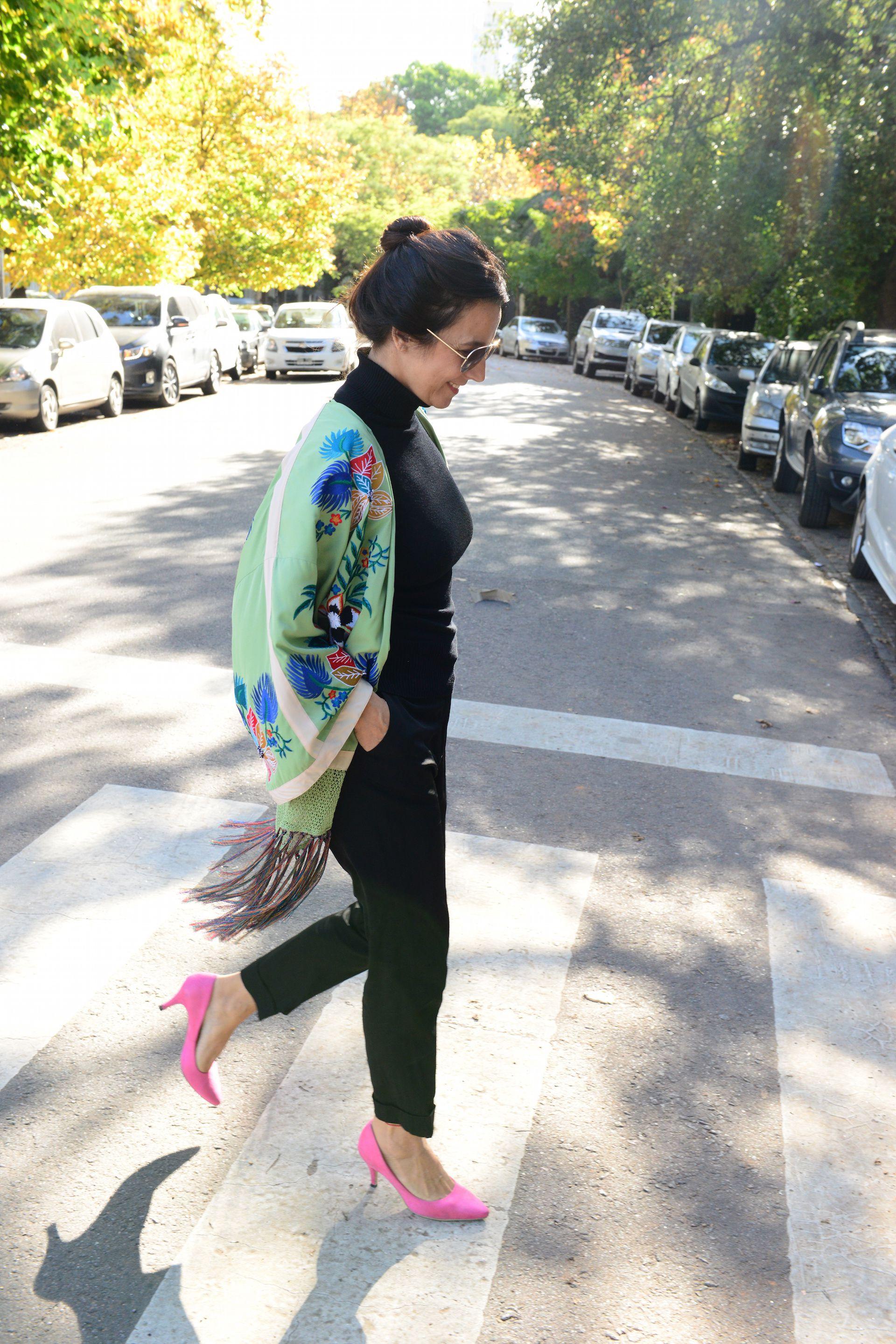 El kimono verde de Zara es una de las prendas favoritas de Marité. Foto: A. Carra/ParaTi