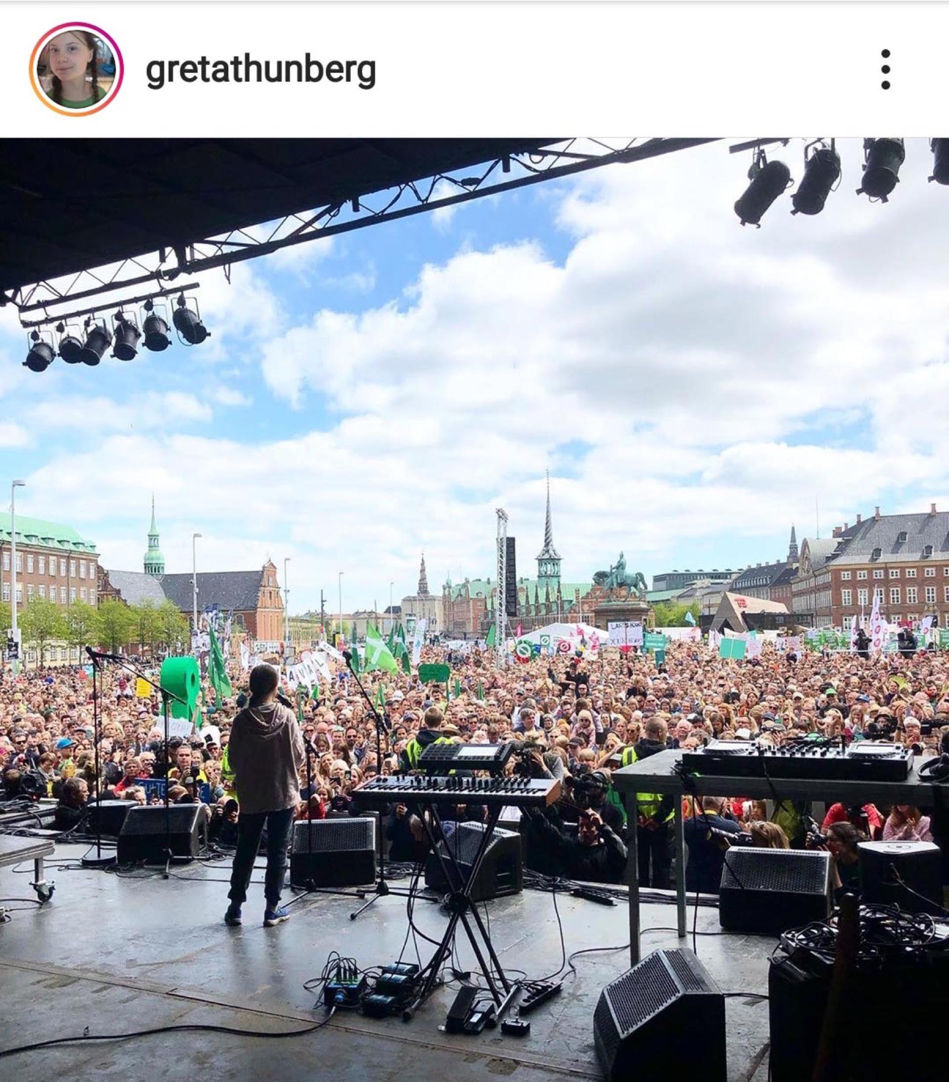 Greta lideró la primera marcha contra el cambio climático en Estocolmo.