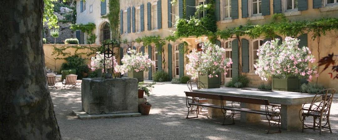 Conocé cómo es Saint-Rémy, el pueblo de La Provence donde se casó Charlotte Casiraghi