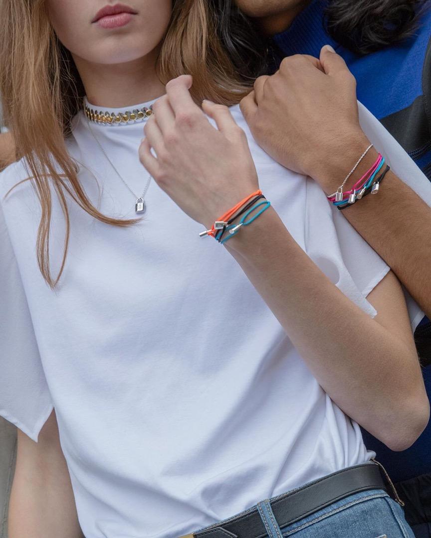 El accesorio de moda de Louis Vuitton a beneficio de UNICEF ¡se renueva!