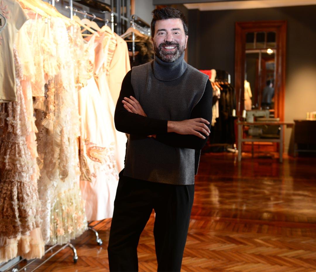 Javier Saiach íntimo: el diseñador estrella de la nueva alta costura