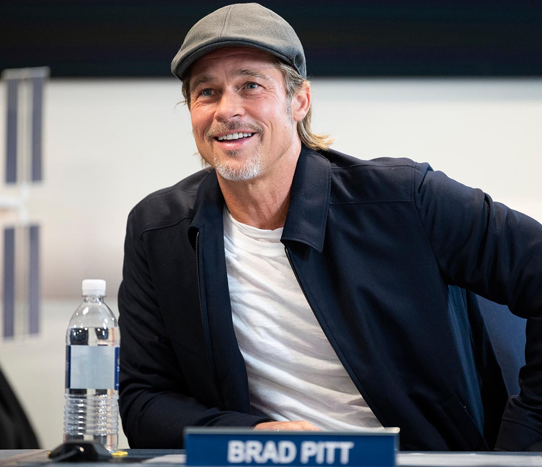 """¿Es mejor George Clooney o yo?"" (la pregunta de Brad Pitt que causó sorpresa)"
