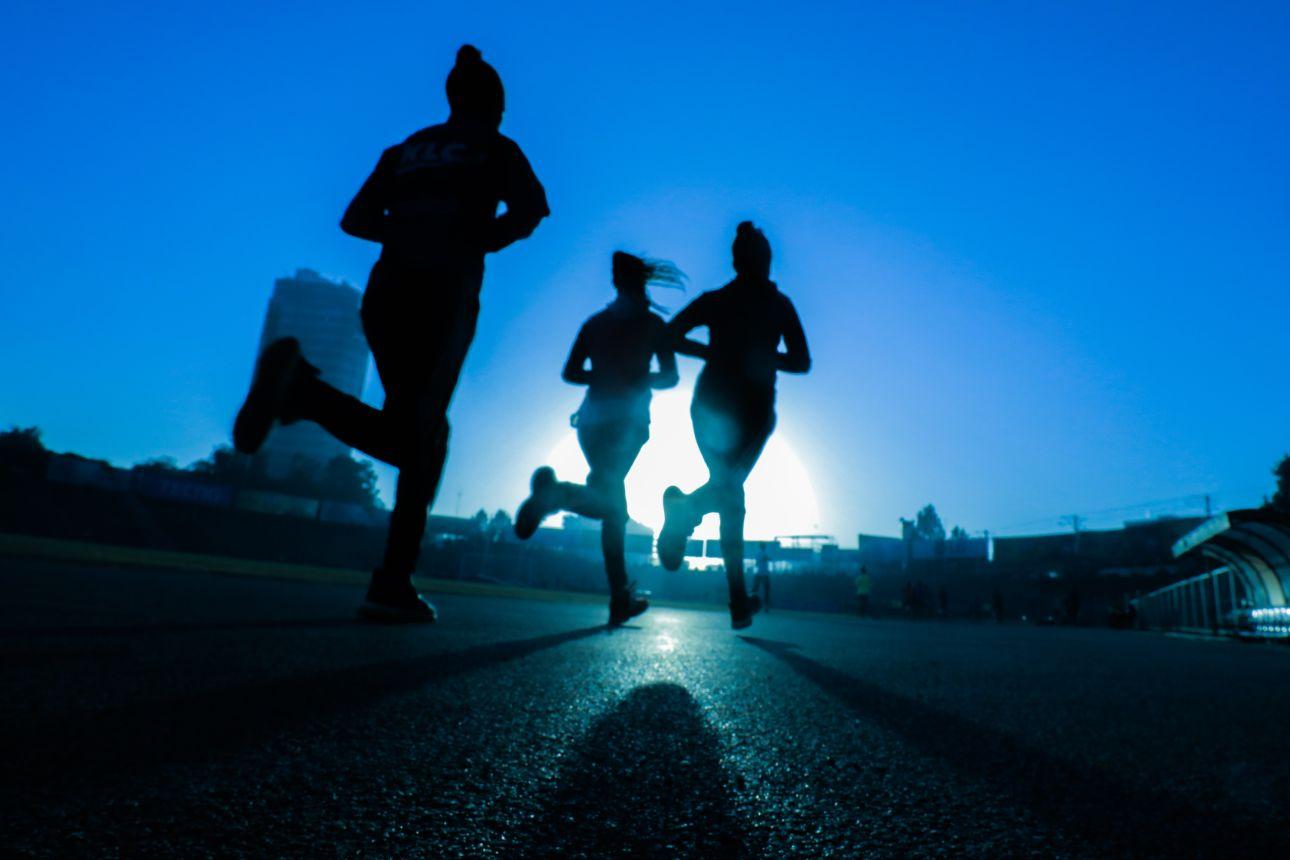 Cinco beneficios de hacer ejercicio antes de dormir