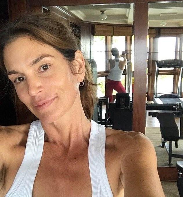 Cómo entrena Cindy Crawford (o las claves de Sarah Hagaman, su personal trainer)