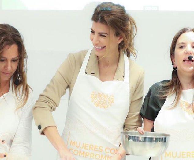 La receta de budín de mandarina de Juliana Awada  y sus detalles chic para presentarlo