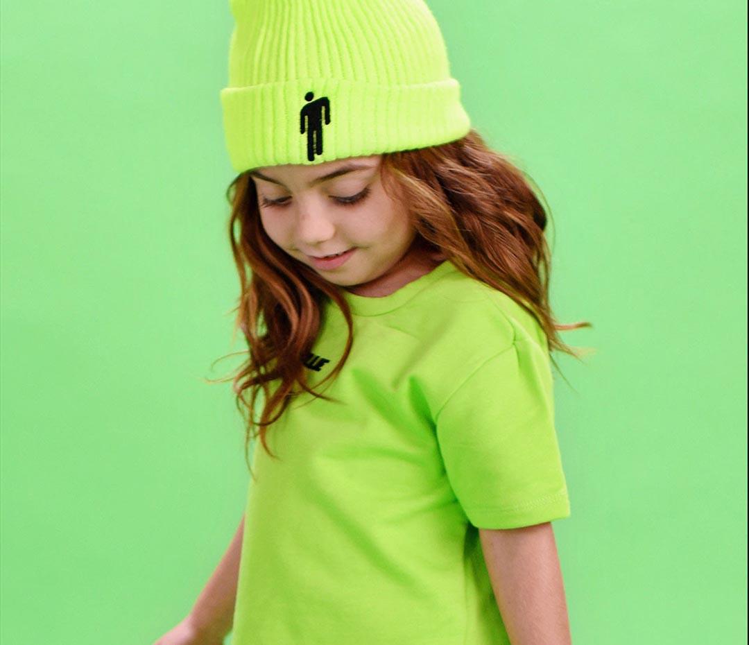 """Billie Eilish lanzó una colección de ropa para chicos (los """"bad bajitos"""")"""