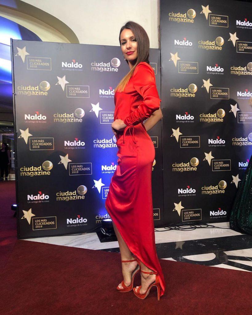 Pampita alquiló este vestido que usó en los premios Los Más Clickeados.