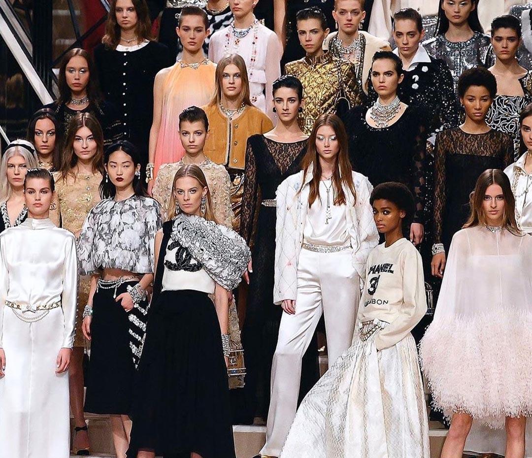 Las tendencias beauty que nos dejó el desfile de Chanel (y que podés copiar si tenés una fiesta)