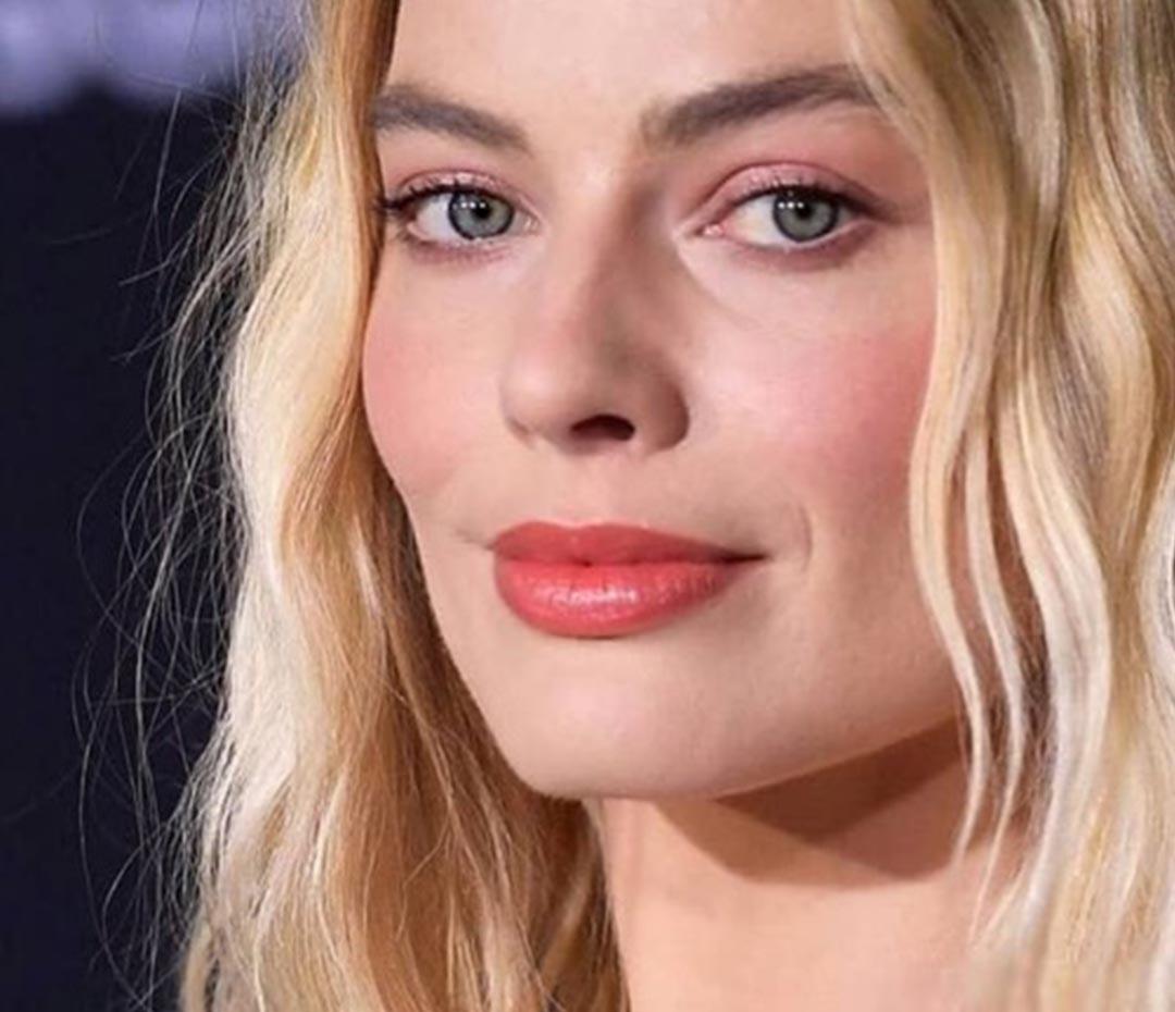 El look de Margot Robbie en la premiere de Bombshell es