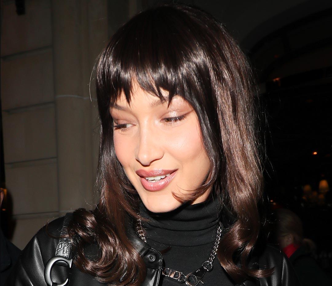Bella Hadid y el secreto del flequillo postizo