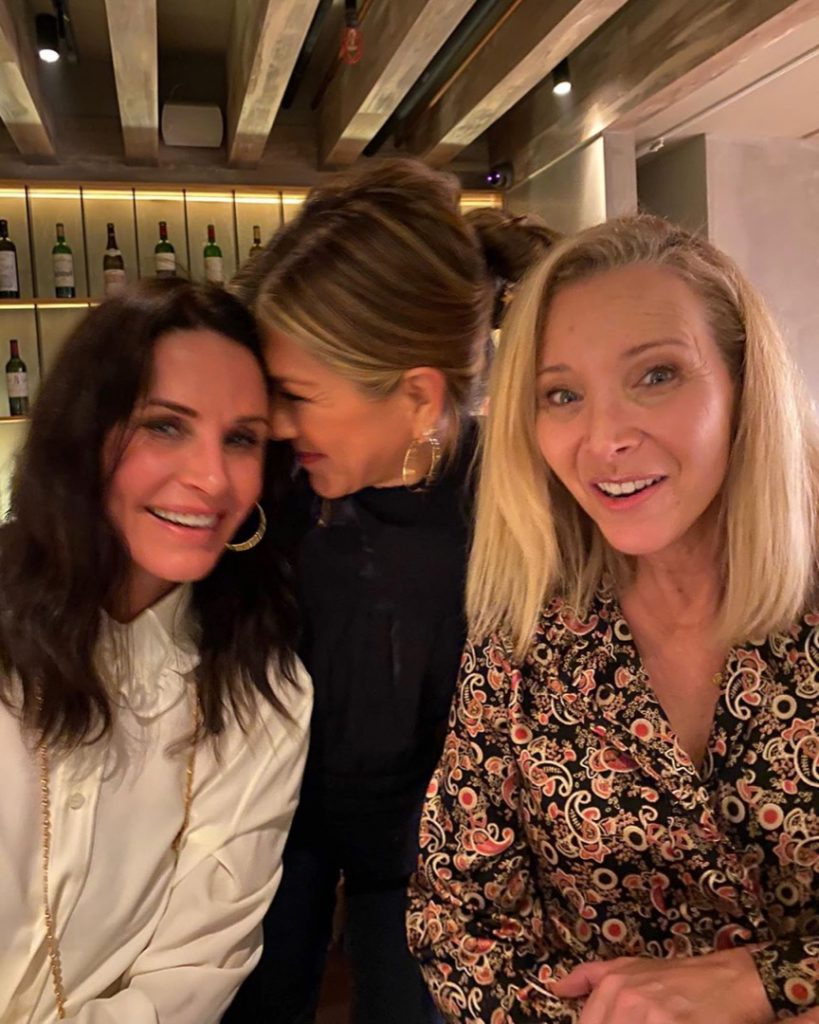 Jennifer aniston, Courteney Cox and Lisa Kudrow, team of female Friends, 25 years later. Photo: Instagram.