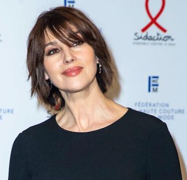 Mónica Bellucci + 10 en una gala benéfica y a puro looks en París