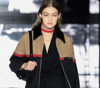 Desfile de tendencias y top models de Burberry en London Fashion Week (en video)
