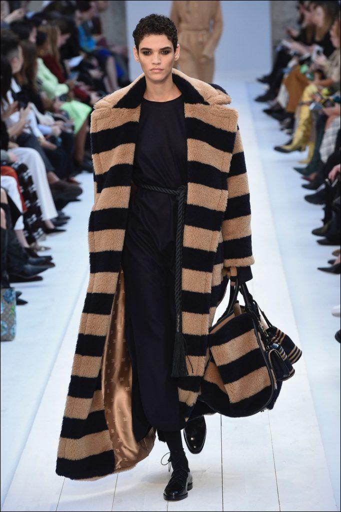 Desfile Max Mara en el Fashion Week de Milán.
