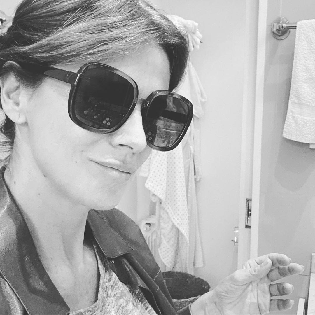 Mirá cómo Flavia Palmiero armá dos looks usando las mismas prendas