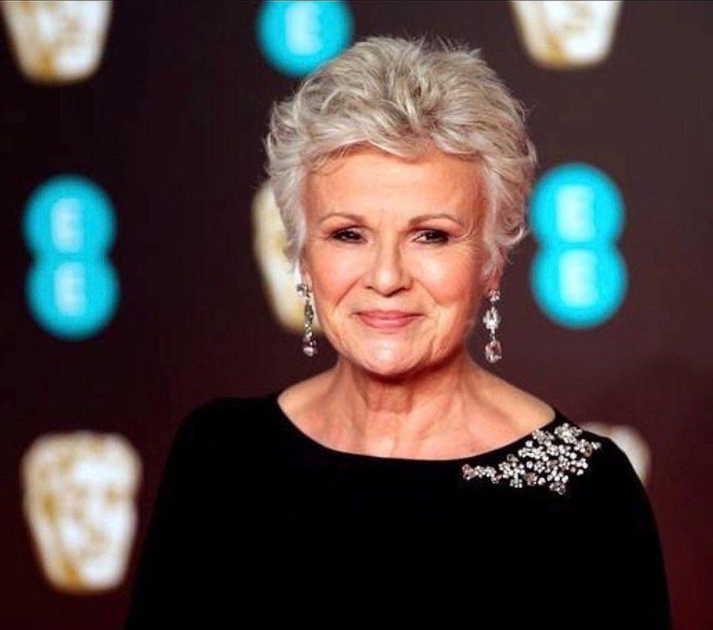 """""""Me siento realmente bien, Y estoy limpia"""", expresó Julie Walters en su emotiva entrevista con la BBC."""