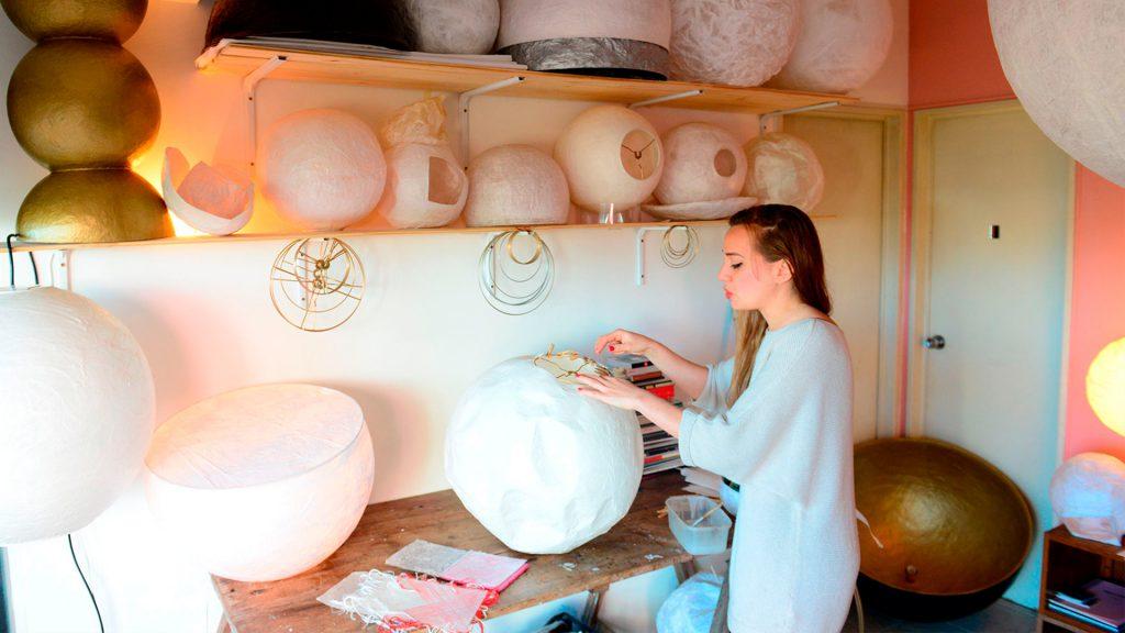 Lucia Bellani. Lámparas de papel