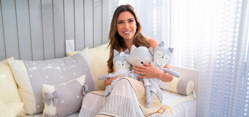 Patricia Abravanel radiante com o quarto Tricot Poá dos filhos - Patricia Abravanel