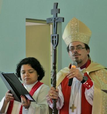 Primaz anglicano pede ações e orações pelas mulheres