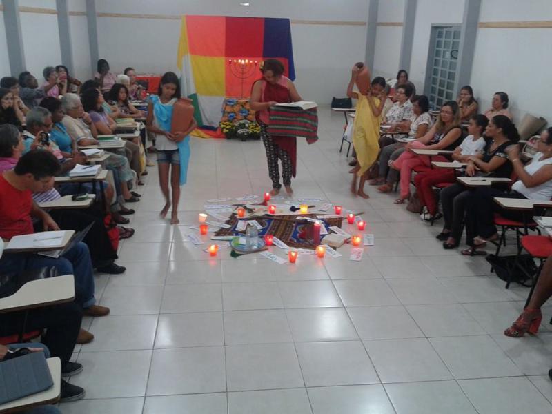 CEBI-GO: Flor do CEBI: perfumando e embelezando (assembleia de 2014)