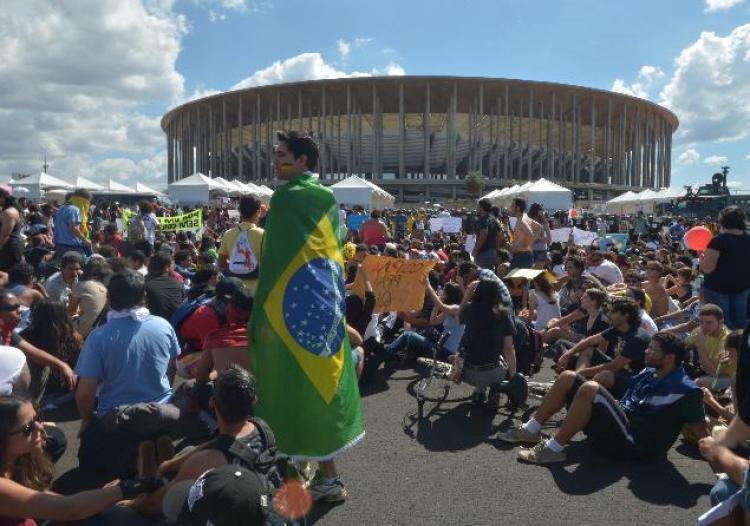 Mobilizações devem tomar as ruas do país no primeiro dia da Copa do Mundo – Marcela Belchior