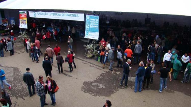 Dia da Igreja reune milhares de pessoas em Nova Petrópolis