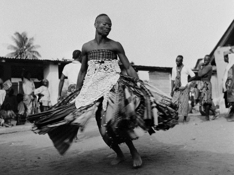 Religiões afro-brasileiras ganham direito de resposta na Record e Rede Mulher