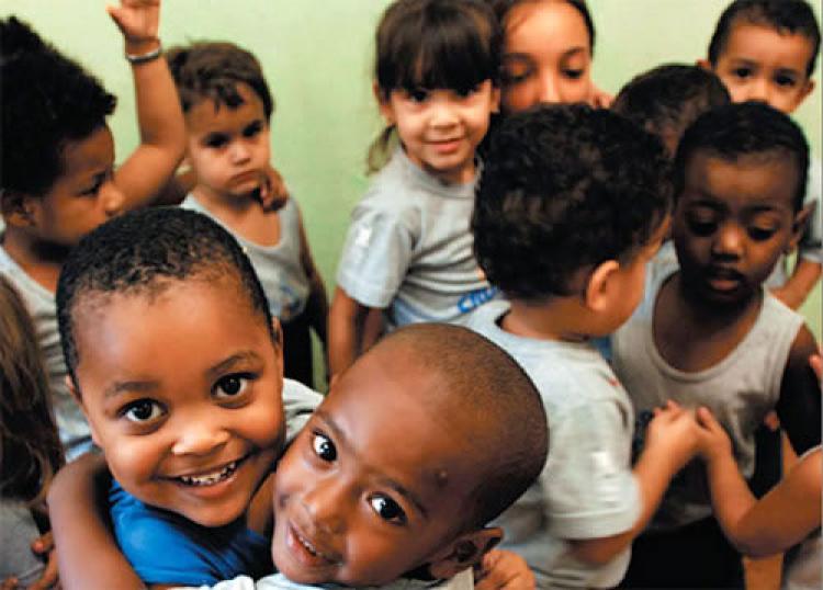 Brasil 'avança em desenvolvimento humano' ou cai em ranking do IDH? Como interpretar relatório da ONU