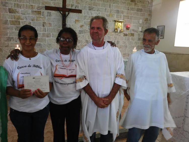 CEBI-RJ Participantes do Curso de Bíblia por Correspondência celebram sua formatura