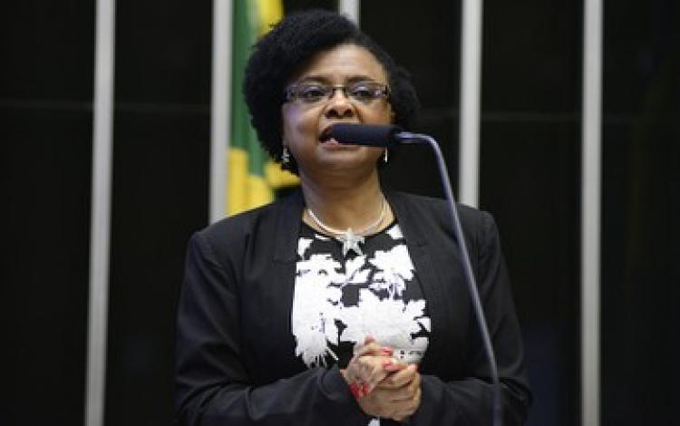 Ministra diz que só ação federativa pode conter violência contra jovens negros