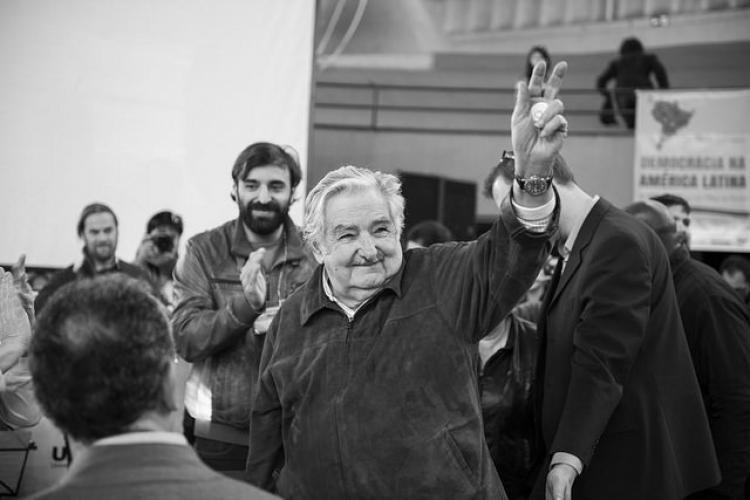 """""""Nossa luta não é só por democracia, mas por outra civilização"""", diz Mujica"""