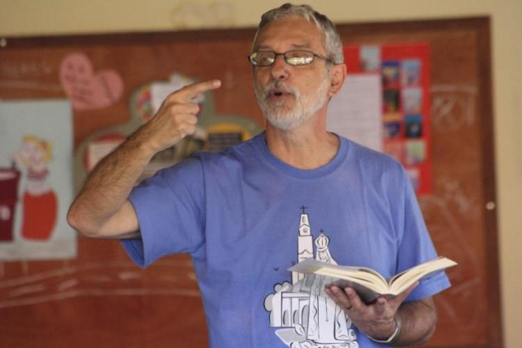 """""""A Bíblia é o grande instrumento de libertação dos leigos"""" [Francisco Orofino]"""