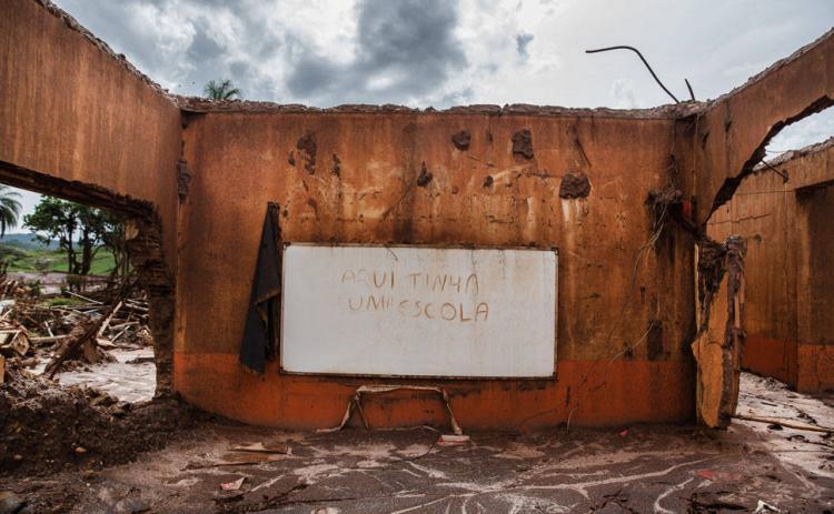 Em MG, Samarco ignora crianças que estão doentes por causa do rejeito de Fundão