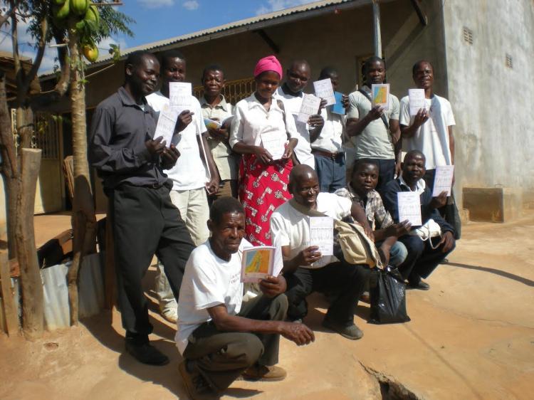 Cerimônia de envio de facilitadores bíblicos em Moçambique