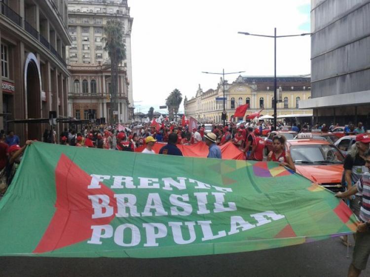 Porto Alegre conclama à resistência dos povos