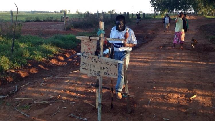 """Fome entre os Guarani e Kaiowá: """"Criança chora, não aguenta mais. Sofrimento mesmo. Quase comendo terra"""""""
