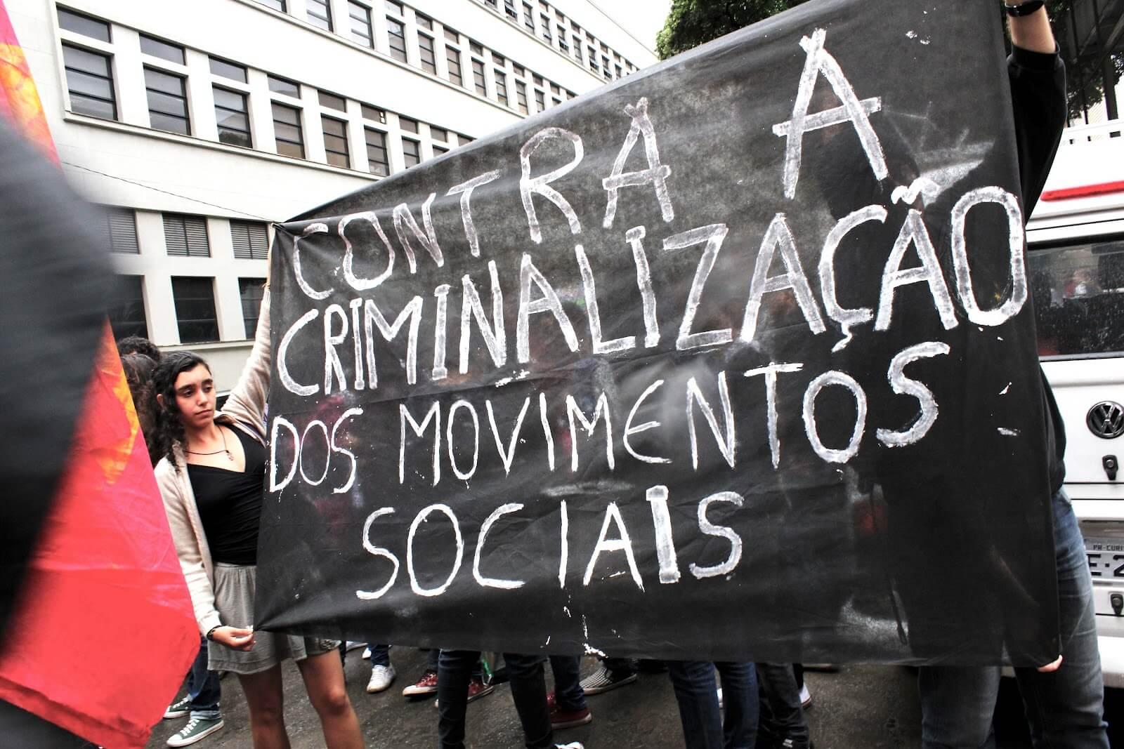 """""""Democracia e direitos sob ataque – um olhar dos movimentos sociais"""""""