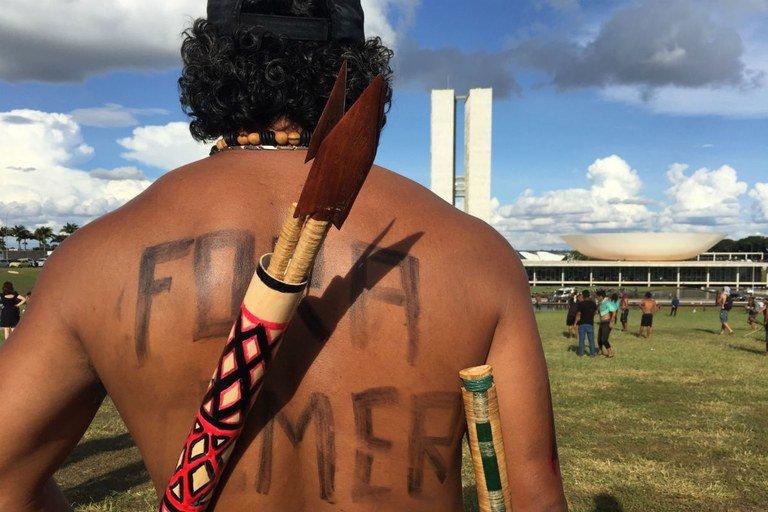 A jovem resistência indígena vai enterrar os velhos ruralistas