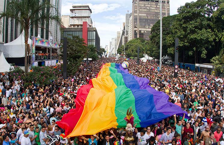 Eleição de candidatos LGBTs cresce no mundo, mas não no Brasil