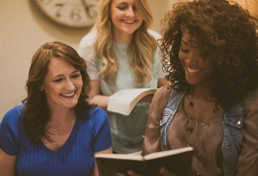 Na Igreja, as mulheres não têm reconhecimento