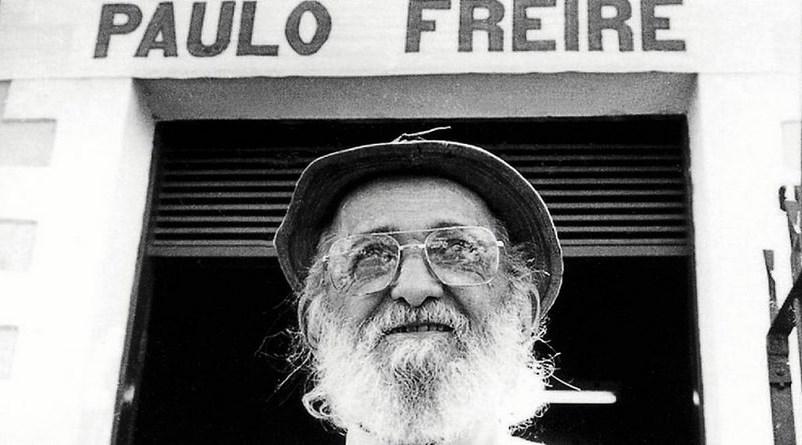 Por que os críticos dizem que Paulo Freire é doutrinador