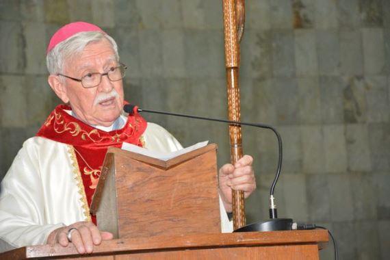 Dom Heriberto, bispo da praça e da sacristia