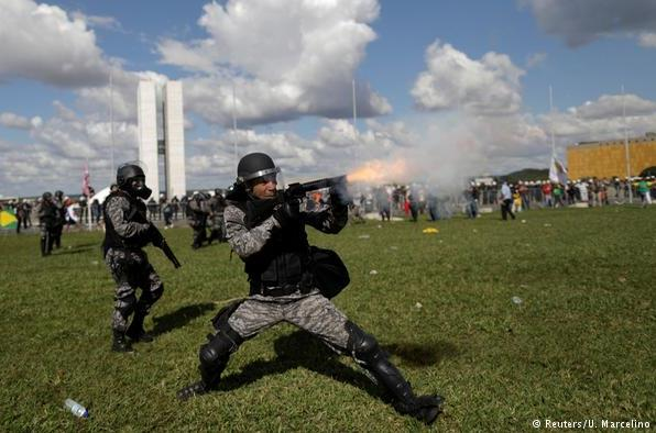 Brasil vive grave crise democrática