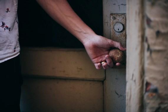Reflexão do evangelho: À porta de nossa casa