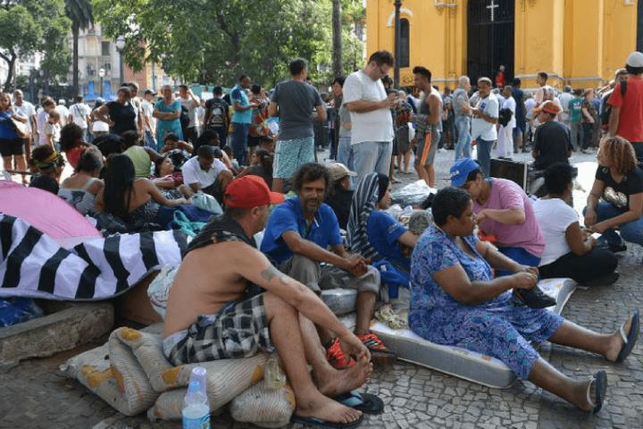 Moradia e movimentos sociais: 'Enquanto morar for privilégio, ocupar é um direito'