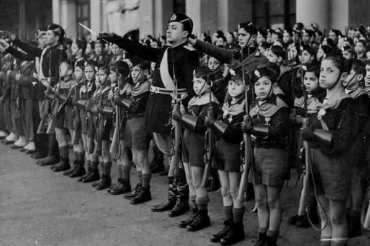 Quanto tempo dura o fascismo?